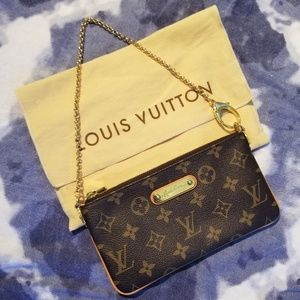 Louis Vuitton Bags - LOUIS VUITTON Monogram Pochette Milla MM EUC
